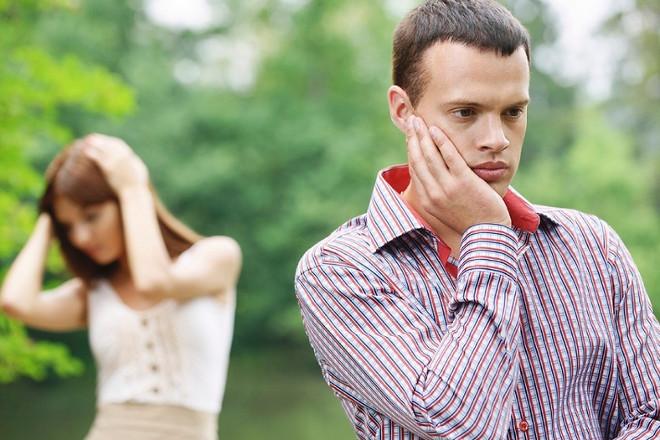 Парень обиделся на девушку