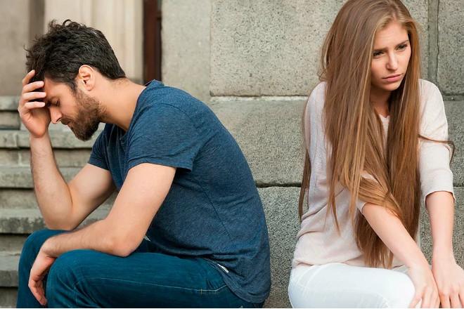 Пара переживает расставание